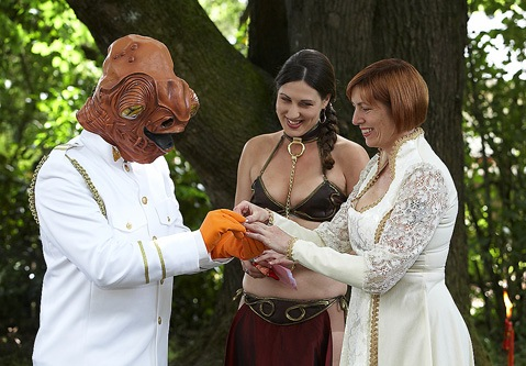 star wars wedding dresses. picture-star-wars-wedding-1.